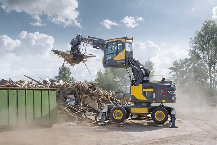 The hydraulically elevated Volvo Care Cab lifts the operator up to five meters above the ground at eye level, providing a wider field of vision to the entire job site for more productivity and safety.